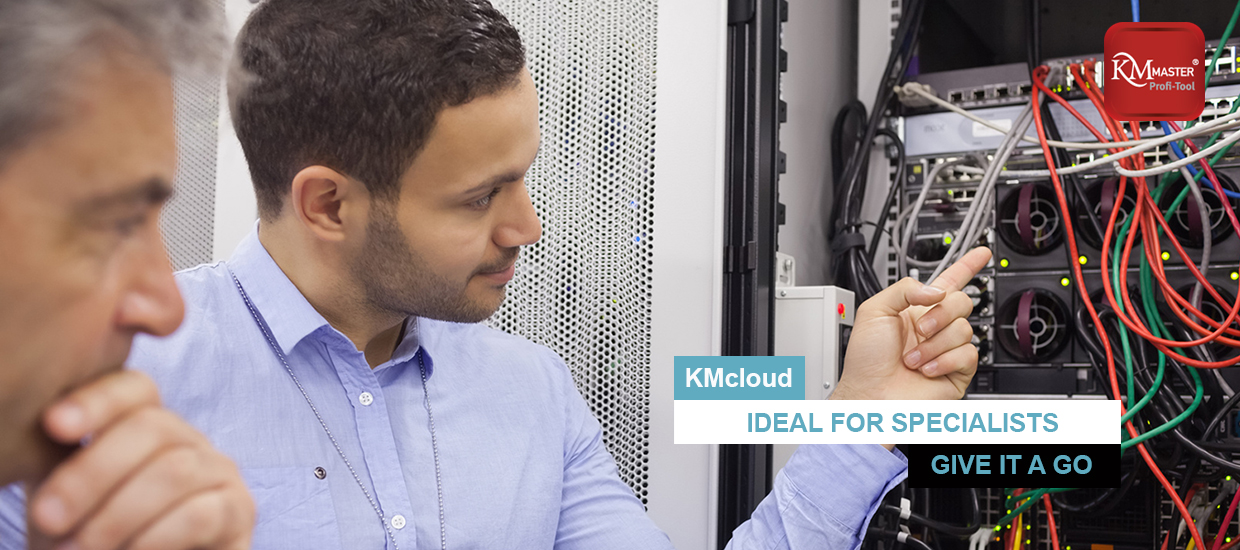 kmcloud_IT_specialists_slide